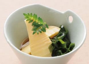 京たけのことわかめの煮物(若竹煮)