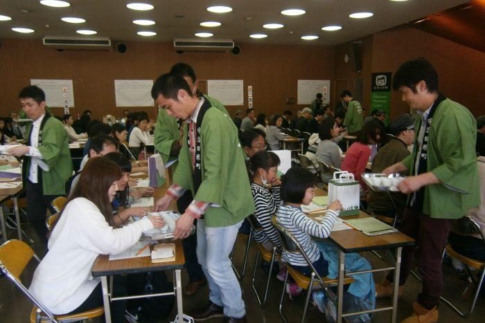 日本緑茶発祥の地で茶香服大会